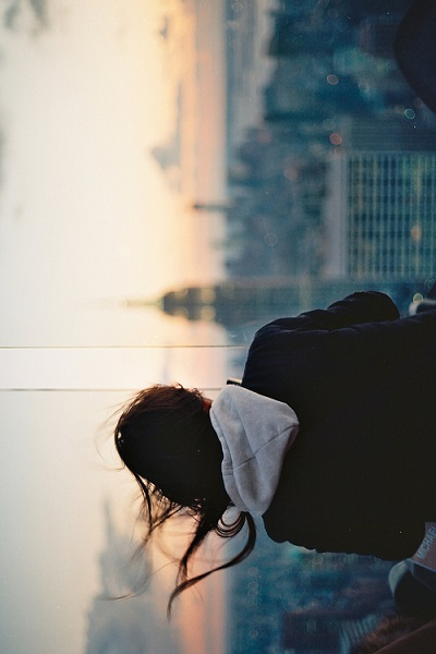 фото девушка в капюшоне на аву